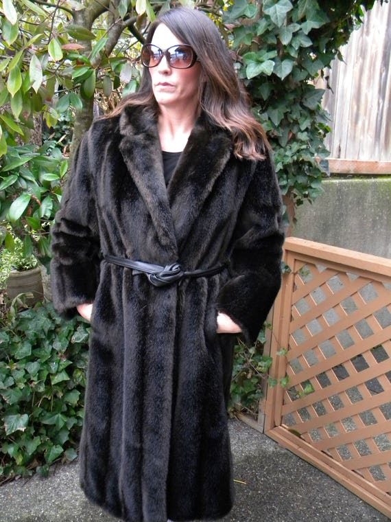 Pretty dark faux mink fur coat / stroller / fake f