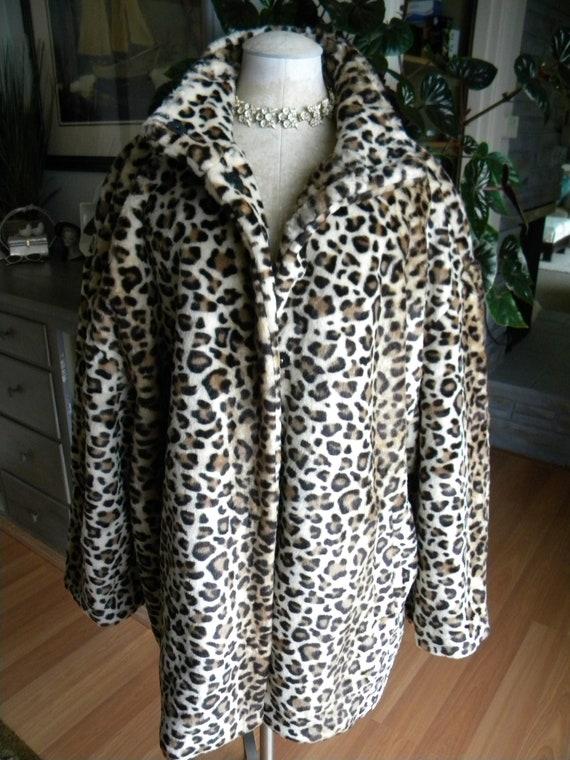 Leopard Spotted Faux Fur Coat / Animal Print / Jac