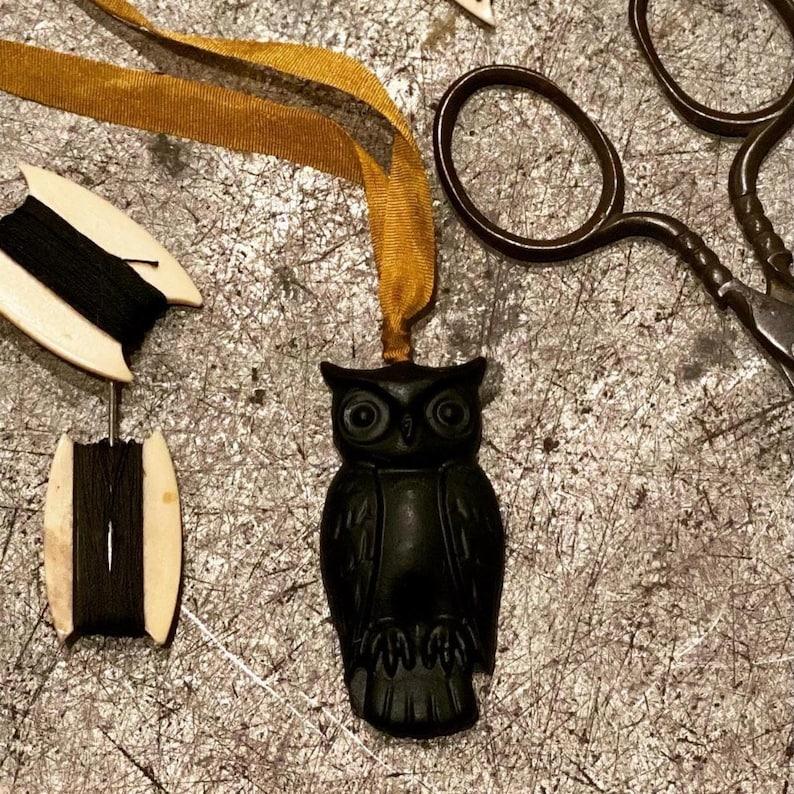 New TAYLOR & STACY NASH Black Owl Hanging Natural 100% image 0