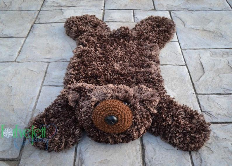 Crochet Pattern for Faux Bear Skin Nursery Rug or Photo Prop image 0
