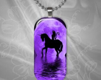 Hada púrpura unicornio luna colgante de azulejo de vidrio