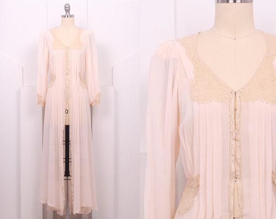Vintage 1930's Lady Duff Light Pink Silk Crepe Rob