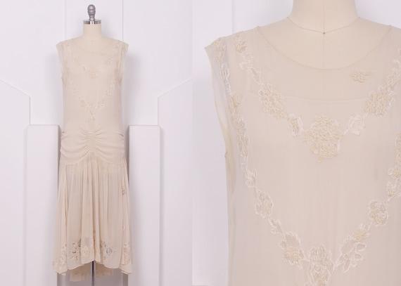 Vintage 1920's Cream Silk Georgette Flapper Weddin