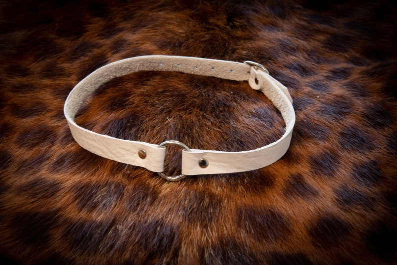 The Dainty Leather BDSM Collar/ Leather Choker/ Submissive White