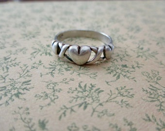 sterling silver heart ring - love, xoxo, size 7.5
