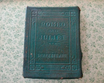 1920s tiny book - Romeo and Juliet, Shakespeare, green bound, Little Leather Library, antique