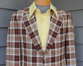 vintage 1970's -no maker label- Men's Big lapel sport coat. Tartan style plaid - Brown, Tan, Ecru, Orange. Darted - 2 button. Size 39 - 40