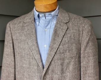 vintage 1960's -Frey- Men's sport coat. Plush, velvety nap -  Brown / Oatmeal grid like Glen Plaid. Generous  Size 40