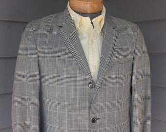 vintage 1960's -Belk / GTO- Men's tropical weight, suit coat. Glen plaid - 3 button - 'sack' - Natural shoulder.  Size 38 - 39 Regular
