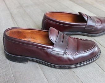 07737751a10 newer vintage -Alden- Men s Mocc toe penny loafers. Model 986 - Burgandy  Shell cordovan. US Size 9 E Wide