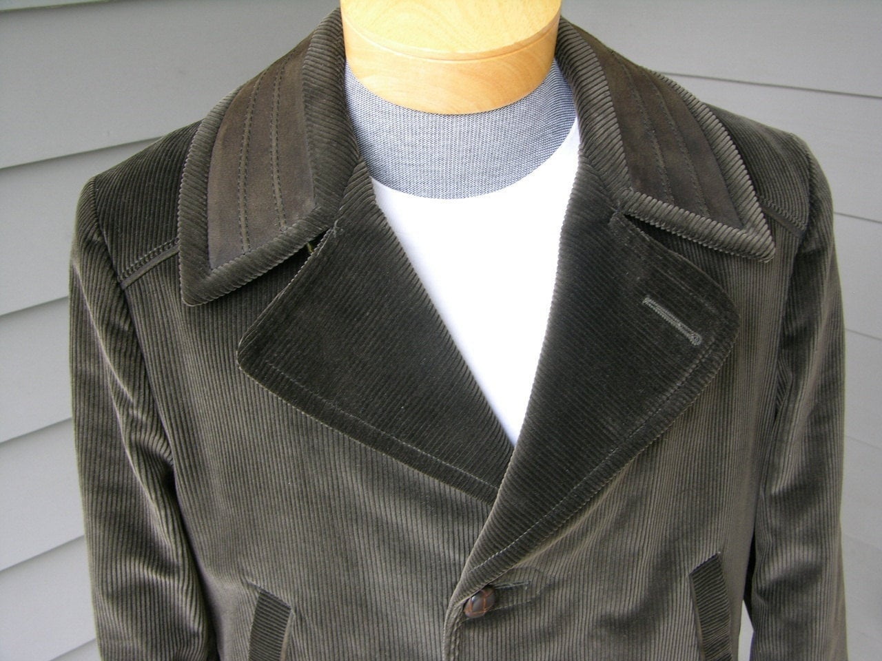 1960s – 70s Men's Ties | Skinny Ties, Slim Ties Vintage 1960s Mens Corduroy Car Coat. New Old Stock. Matching Suede Trim. Half Belt Back. Size 40 Plus $185.00 AT vintagedancer.com