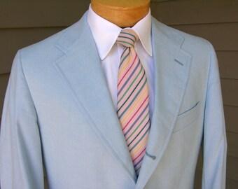 vintage 70's - 80's -Haspel- Men's Spring or Summer sport coat. Linen-like - Baby Blue. 3 / 2 roll 'sack'. Size 42 - 43