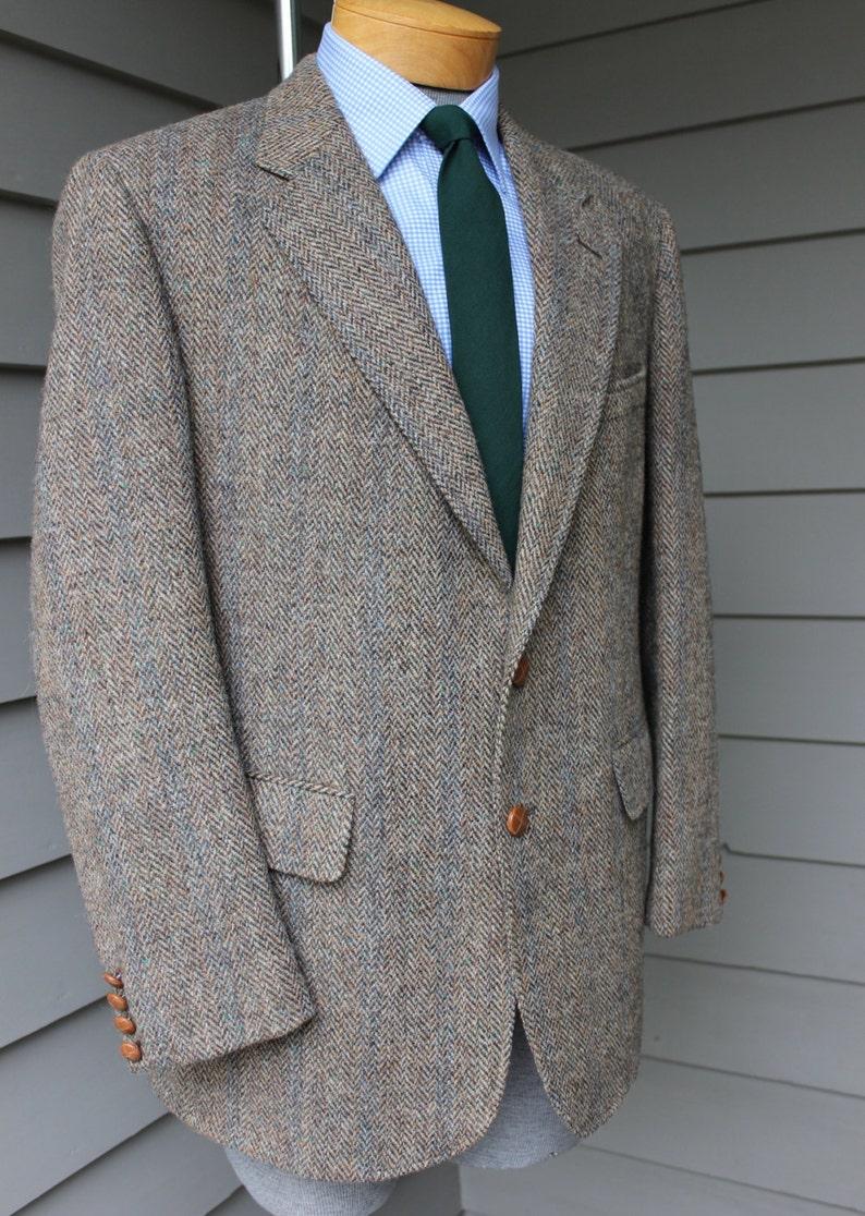 vintage 1970's Cricketeer Men's Harris Tweed sport coat. Blue stripe Herringbone w flecks. 2 button Natural shoulder. 43 44 Reg