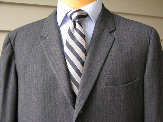 1960s MOD Gray herringbone tweed 3 Button Skinny Lapel Suit Jacket wool 44 chest QSk1SL
