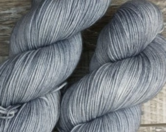 RTS Mist Neutral Accents Basic Sock Fingering Weight Sock Yarn Gray Tonal Grey Superwash Merino Wool Nylon