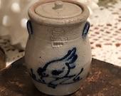 Rowe Pottery Works Salt Glazed Stoneware 1990 Cobalt Rooster Crock