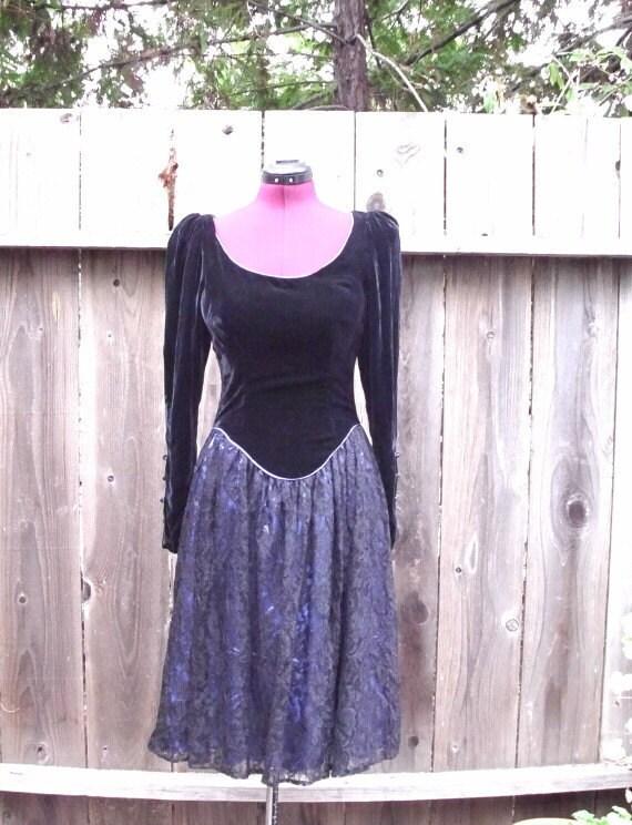 Vintage Gunne Sax  Velvet and Lace  Dress