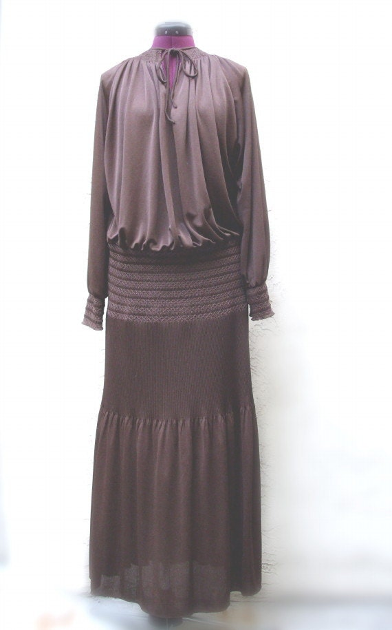 Museum quality Vintage 1920's Elegant  Day Dress