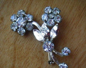 Vintage Rhinestone Floral Brooch//Floral Spray Clear Rhinestones//Mid Century Jewelry //Free Shipping
