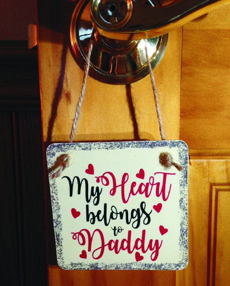Daddy wooden sign 4 x 4 x 1/8  novelty sign image 0