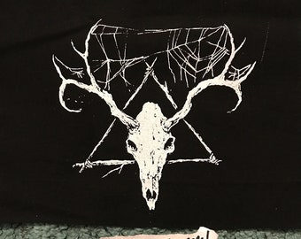 DEER SKULL oooh witchy and cool and spiderwebby and spooky but also thoughtful you know PATCH