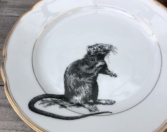 """porcelain plate """"mouse"""", aprox. 20cm, handprinted on vintageporcelain with goldrim, present for familiy and friends"""