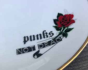 "Bowl ""Punks not dead"", ø aprox. 19 cm; high quality vintage porcelain with handmade silkscreen prints; snack, dessert, fruits, ice cream;"