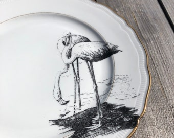 """porcelainplate  """"flamingos"""", 24cm, hight quality vintage Porcelain white with Goldrim, handmade Print; for dining or as a wallplate"""