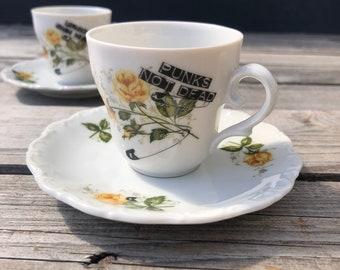 """Espresso/Mokkacup """"Punks not dead"""", 3 pieces (cup, saucer, plate), floral vintage porcelain with handscreenprinted motif,"""