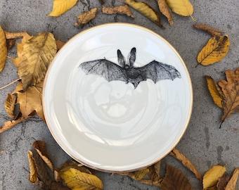 "Plate, Porcelain, ""bat"", 21cm, white with Goldrim, Vintageporcelain with handmade Silkscreen Print"