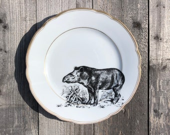 """Plate """"Tapir"""", ø approx. 21 cm, vintage porcelain with gold rim and handmade screen print motif; To serve, decorate and give!"""