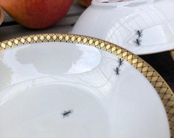 "1 mini bowl ""ants"", ø aprox. 12cm, silkscreen print on vintage porcelain with goldrim"