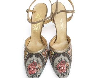 f157f64ac1b6 1970s Floral Tapestry Heels  70s 80s Ankle Strap Pumps Size 9.5