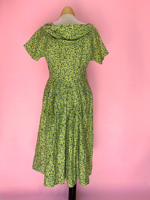 1950's Green Rose Print Cotton Dress Size Small - image 2