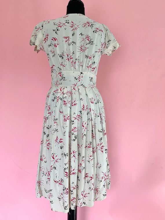 1940's Rayon Floral Dress Size Small 1940s Dress - image 3