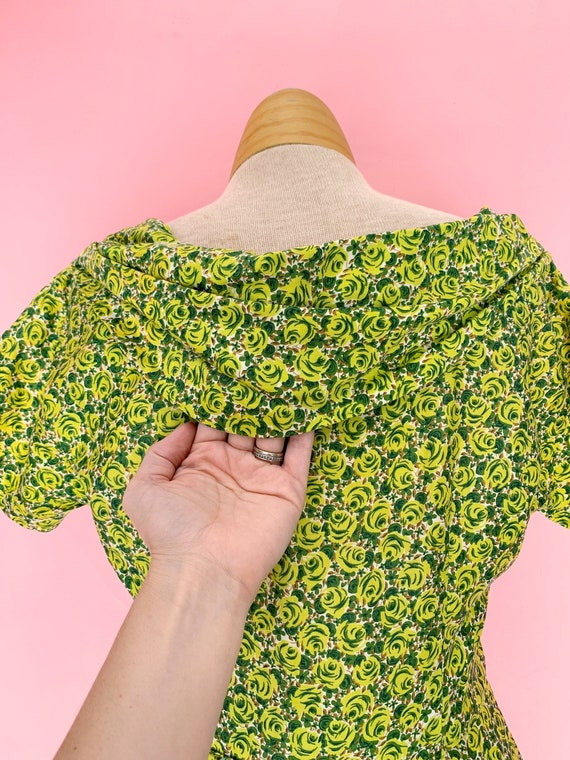 1950's Green Rose Print Cotton Dress Size Small - image 3