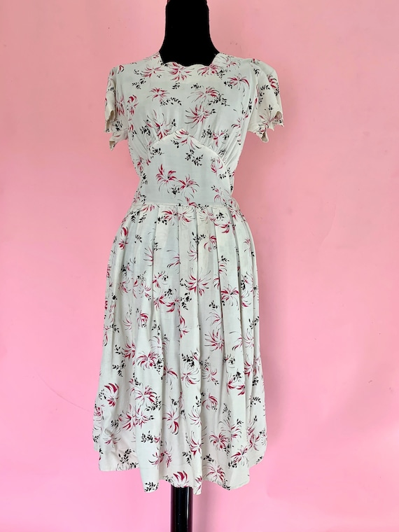 1940's Rayon Floral Dress Size Small 1940s Dress