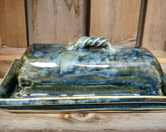 Butter Dish / butter dish with lid / covered butter dish / ceramic butter dish / pottery butter dish / Christmas gift / gift for her / gift