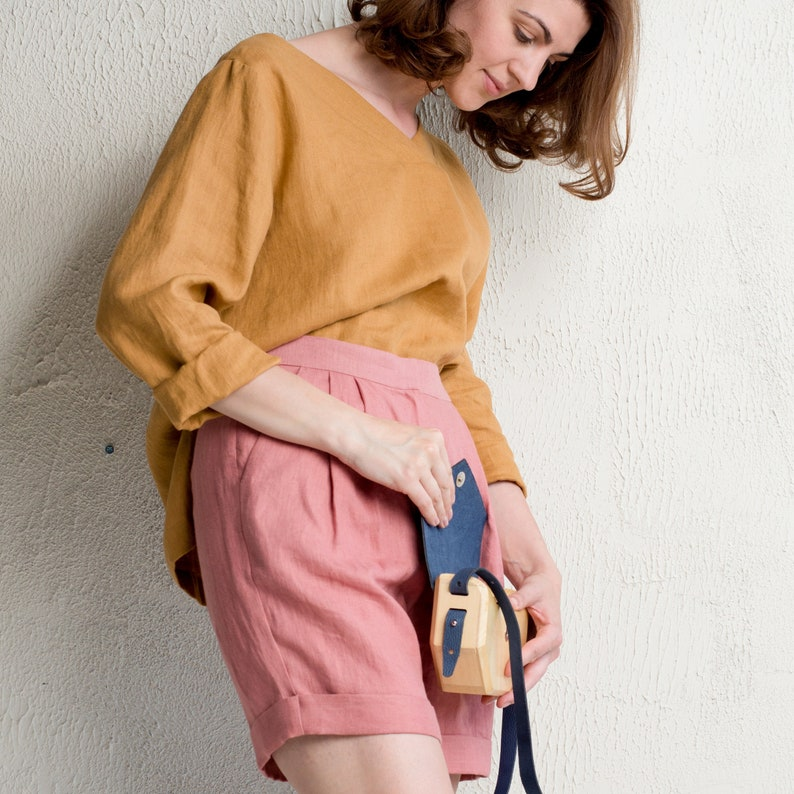 High waisted linen shorts with pockets Natural linen clothing image 0