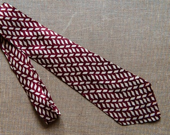 "Vintage 1950s Gabriel Brothers all-over pattern necktie | 3.75"" x 47"""