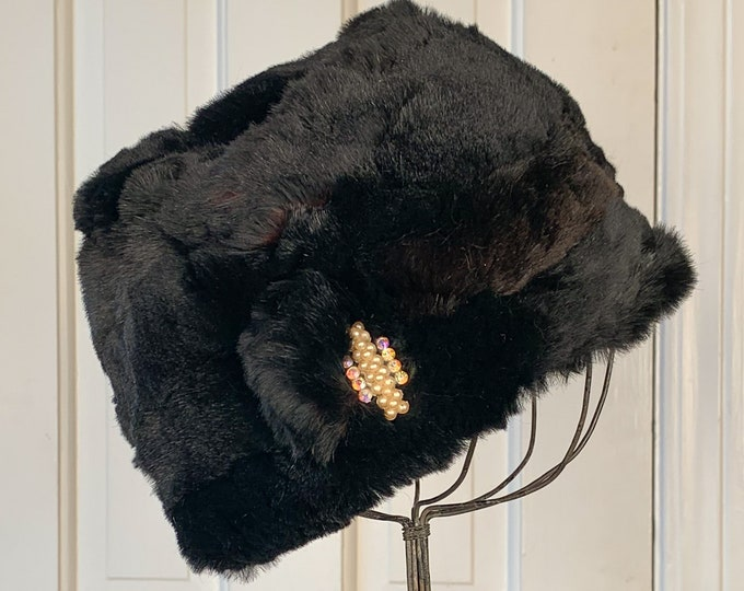 Vintage 1950s black fur winter hat with rhinestone and faux pearl decoration | fur cloche | turban style fur hat | Size M