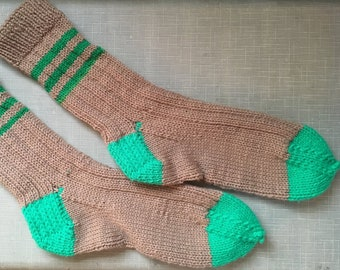 Hand-knitted big, thick, comfy socks in beige and bright green  | size XL