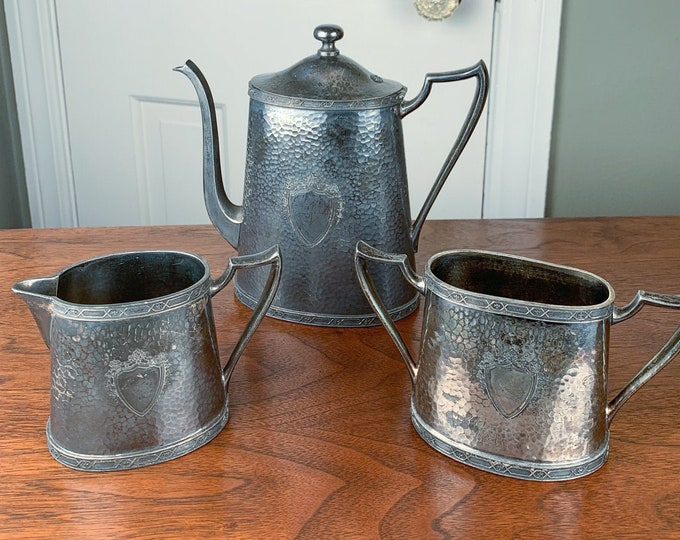 Vintage Dowd-Rodgers Co. 3pc silver plated tea set with hammered texture and shield motif | silver plated coffee set | Wallingford CT