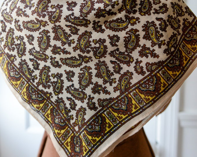 "Vintage 1970s NOS virgin wool paisley scarf, square neckerchief, 25"" x 25"""