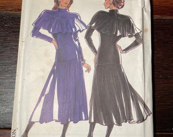 Vintage 1980s New Look dress sewing pattern 6065 suitable for knits, Size 8 - 18