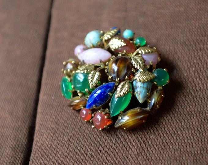 Vintage multi-color multi-stone brooch in gold-tone setting, lapel pin