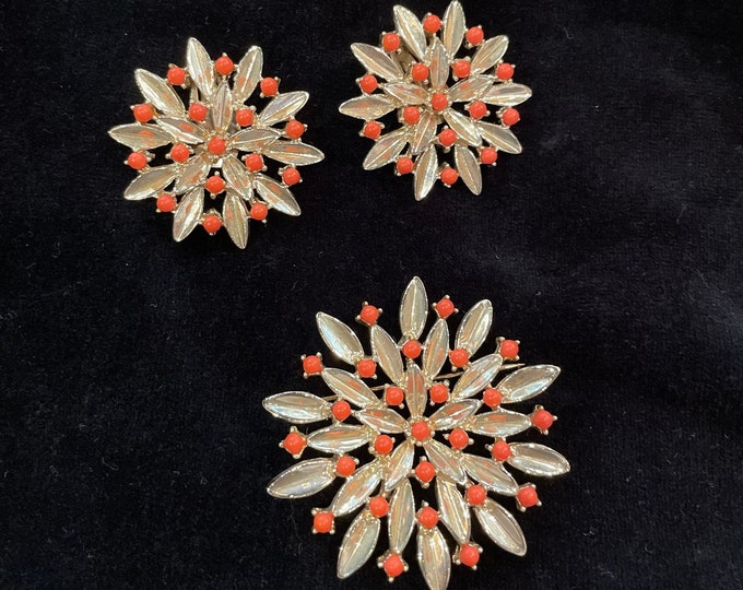 Vintage 50s 60s 3pc gold-tone brooch and clip-on earring with orange beads, Bergere