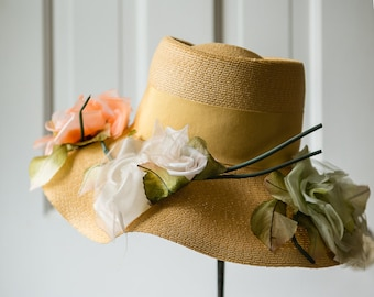 Vintage 1950s honey yellow easter/garden party hat with silk cabbage roses and grossgrain ribbon  | Size M