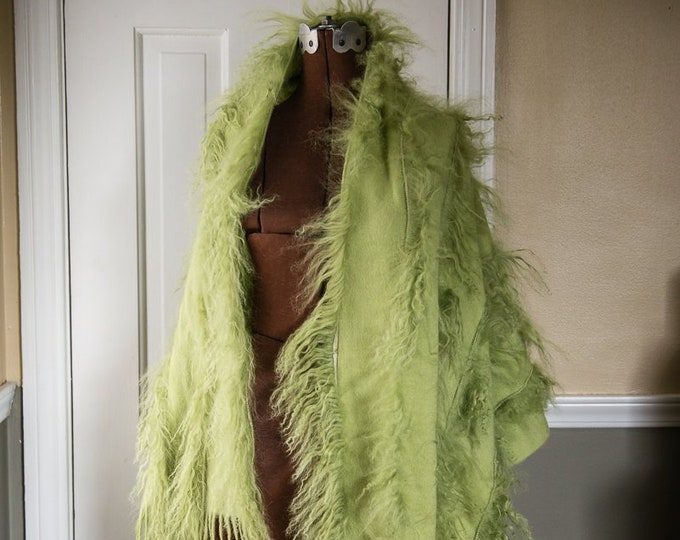 "Luxurious 100% cashmere apple green scarf shawl or throw, Pashmina, 26"" x 70"""