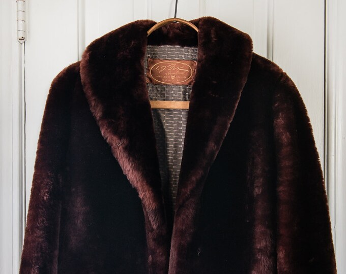 Vintage 1950s reddish brown mouton sheared sheepskin fur jacket | I. J. Fox | Size M